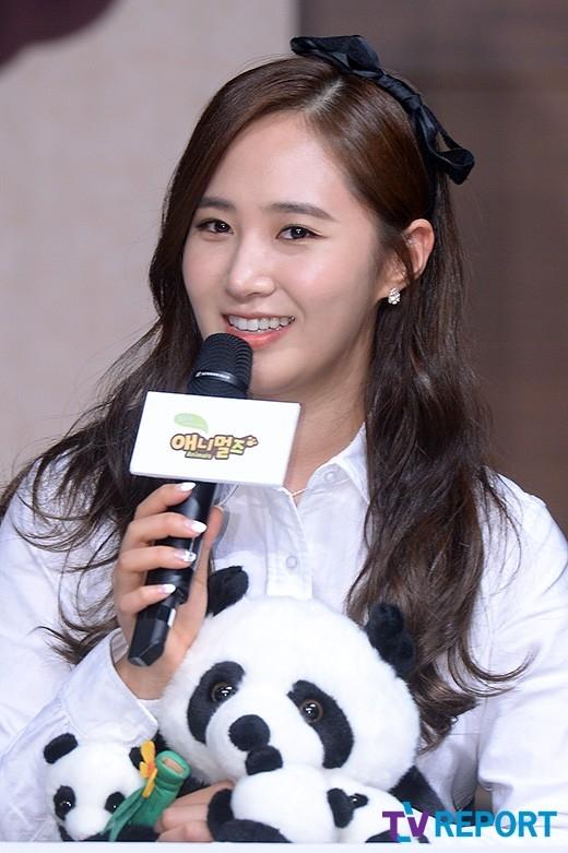 Yuri diện đồ học sinh cực đáng yêu tham dự sự kiện