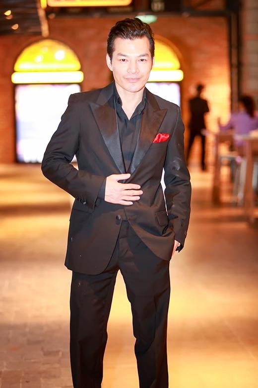 Trần Bảo Sơn bay từ TP. HCM ra Hà Nội để có mặt trong buổi công chiếu - Tin sao Viet - Tin tuc sao Viet - Scandal sao Viet - Tin tuc cua Sao - Tin cua Sao