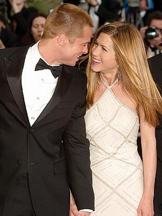 Jennifer Aniston và Brad Pitt thời còn mặn nồng
