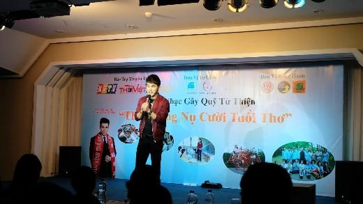 Sao Việt thắp sáng nụ cười tuổi thơ