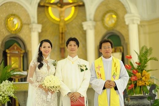 Hình ảnh trong đám cưới ấm cúng của Dustin Nguyễn và Bebe Phạm. - Tin sao Viet - Tin tuc sao Viet - Scandal sao Viet - Tin tuc cua Sao - Tin cua Sao