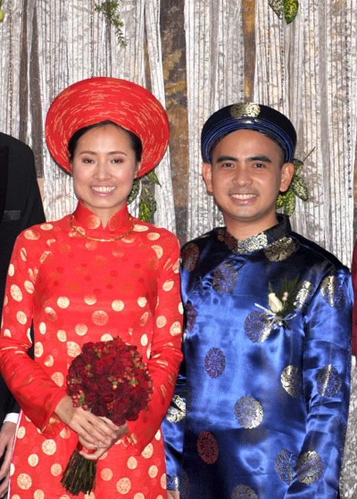 Đức Trí và vợ trong trang phục truyền thống. - Tin sao Viet - Tin tuc sao Viet - Scandal sao Viet - Tin tuc cua Sao - Tin cua Sao