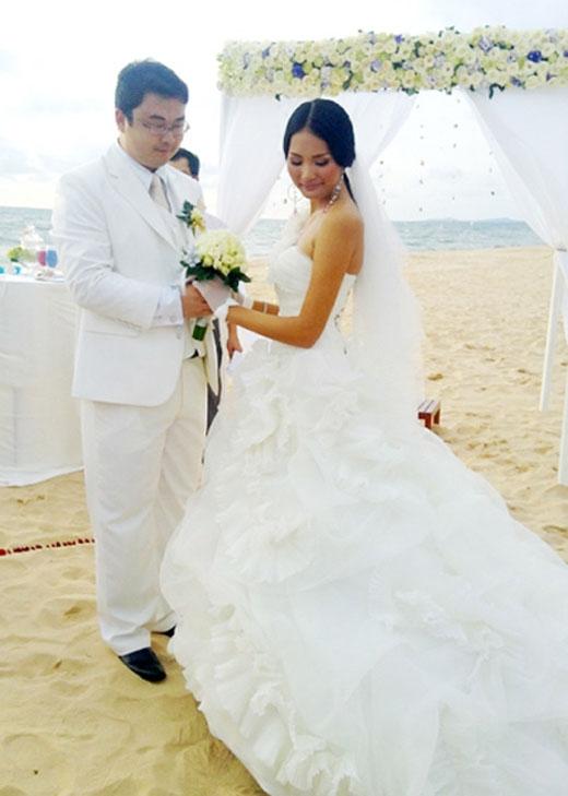 Đám cưới của Hương Giang tổ chức tại Phú Quốc. Tổ chức hôn lễ trên bãi biển là đám cưới trong mơ của cô. - Tin sao Viet - Tin tuc sao Viet - Scandal sao Viet - Tin tuc cua Sao - Tin cua Sao
