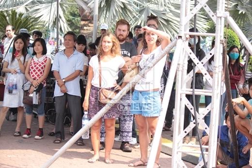 Thảo Trang đội nắng gắt nhảy cực sung - Tin sao Viet - Tin tuc sao Viet - Scandal sao Viet - Tin tuc cua Sao - Tin cua Sao