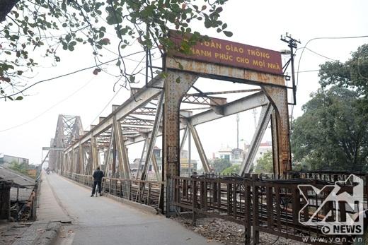 Cận cảnh sự xuống cấp cầu Long Biên hơn 100 tuổi