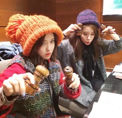 Hyomin và Jiyeon vi vu Nhật Bản. Cả hai khoe rất nhiều hình ảnh dễ thương khiến fan thích thú.