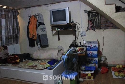Phòng ngủ chật chội với nhiều đồ lỉnh kỉnh - Tin sao Viet - Tin tuc sao Viet - Scandal sao Viet - Tin tuc cua Sao - Tin cua Sao