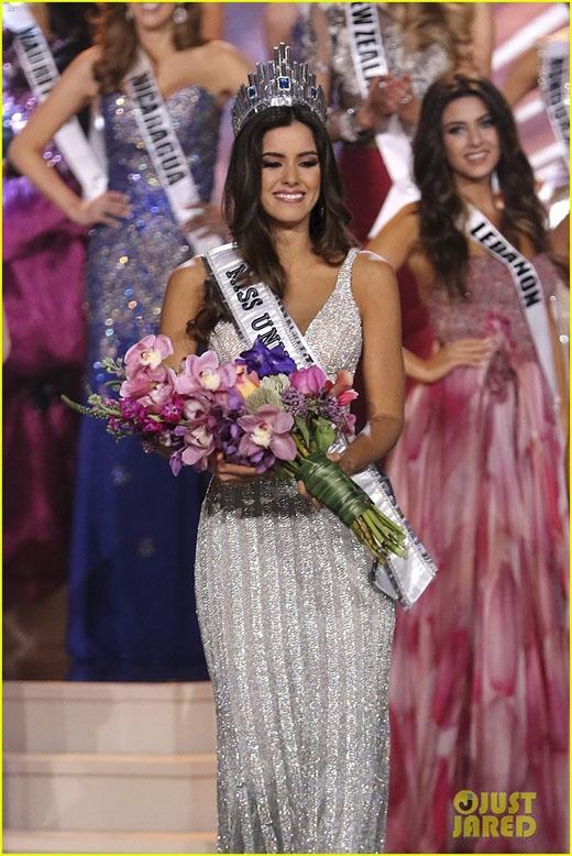 Cận cảnh nhan sắc không tì vết của Hoa hậu hoàn vũ 2014