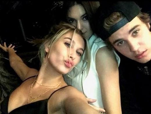 Giải mã mối quan hệ mập mờ giữa Justin Bieber và Hailey Baldwin
