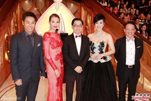 Hoa hậu Quốc tế Trung Quốc 2015 bị chê tơi tả vì bụng mỡ