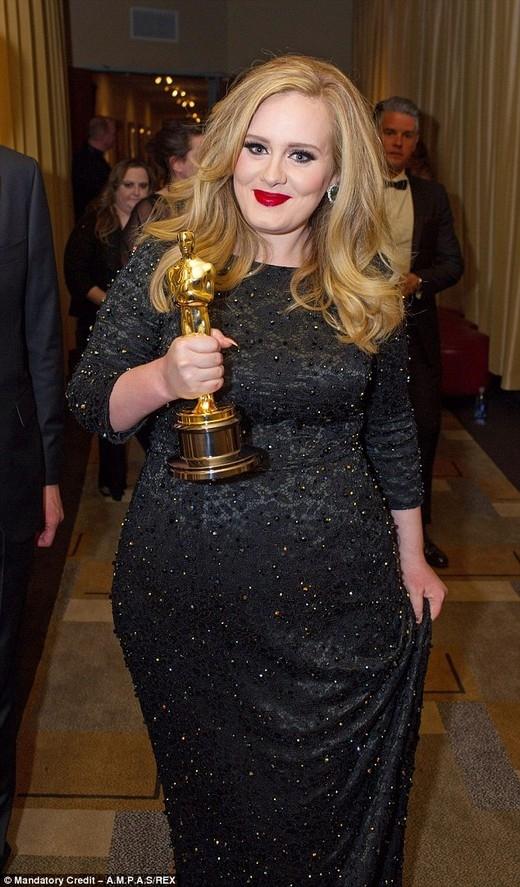 Bất ngờ khi Adele, Harry Styles và Jennifer Lawrence ăn tối cùng nhau