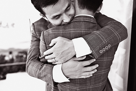 Những khoảnh khắc đáng ghen tị của cặp đồng tính nam nổi tiếng showbiz Việt