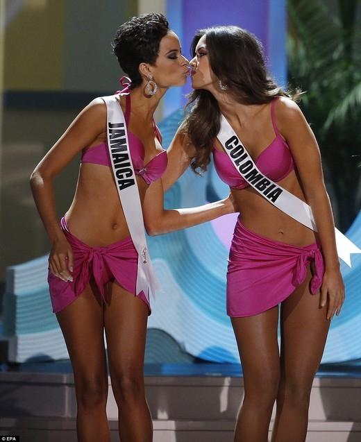 """Người đẹp Jamaica bị """"cướp ngôi"""" Hoa hậu Hoàn vũ chỉ vì... tóc ngắn"""