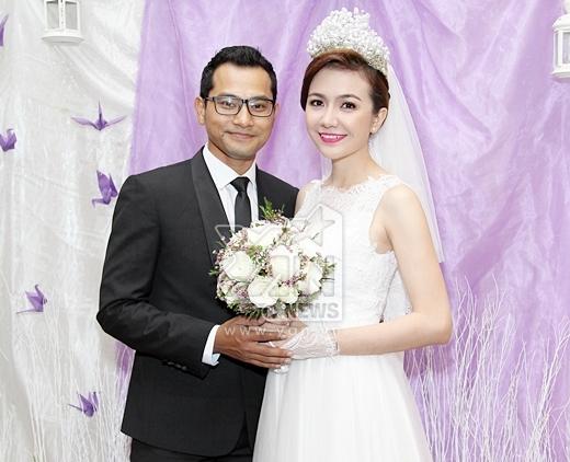Huỳnh Đông chỉnh sửa váy cho vợ trước lễ cưới - Tin sao Viet - Tin tuc sao Viet - Scandal sao Viet - Tin tuc cua Sao - Tin cua Sao