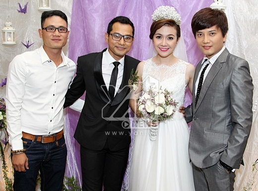 Nguyễn Lê Bá Thắng (vest xám ngoài cùng bên phải) - Tin sao Viet - Tin tuc sao Viet - Scandal sao Viet - Tin tuc cua Sao - Tin cua Sao