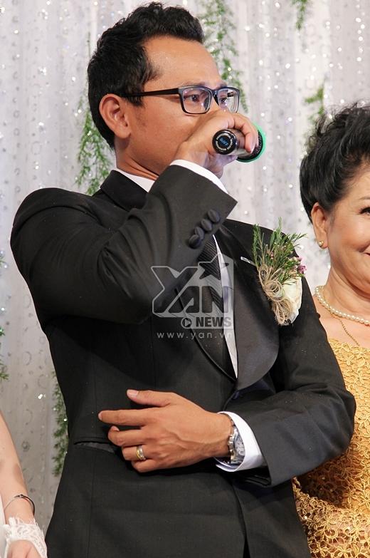 Huỳnh Đông bật khóc khi chia sẻ về bố mẹ. - Tin sao Viet - Tin tuc sao Viet - Scandal sao Viet - Tin tuc cua Sao - Tin cua Sao