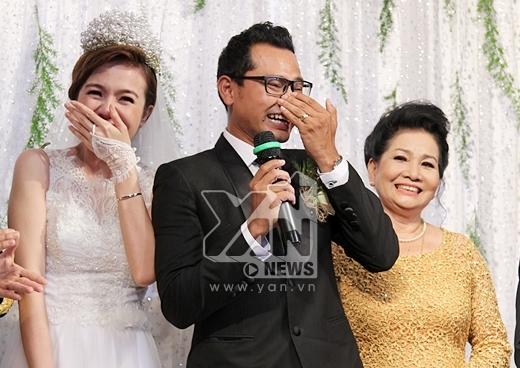 Chú rể Huỳnh Đông bật khóc trong lễ cưới - Tin sao Viet - Tin tuc sao Viet - Scandal sao Viet - Tin tuc cua Sao - Tin cua Sao