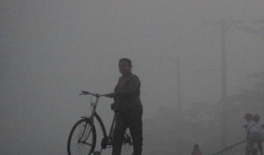 Trời lạnh giống như đang ở Đà Lạt, một cụ bà ở xã Tà Đảnh, huyện Tri Tôn (An Giang) cho biết.