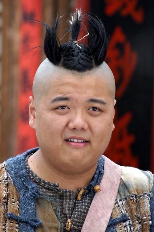 Lâm Tử Thông trong phim Tế Công Phật sống.