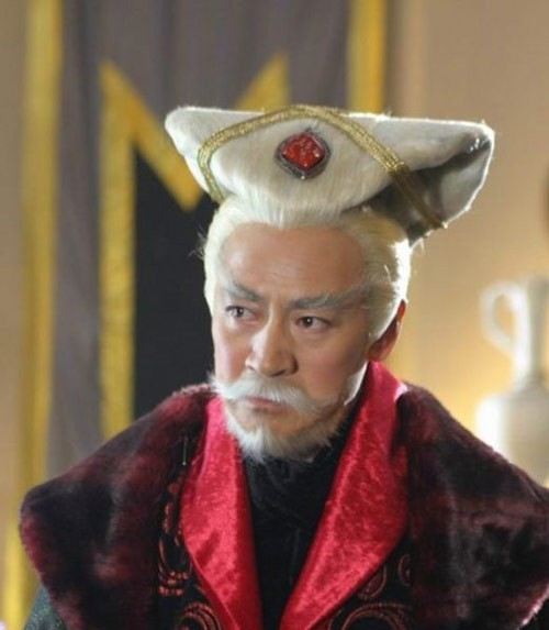 Khấu Chấn Hải trong phim Tuyết vực mê thành.