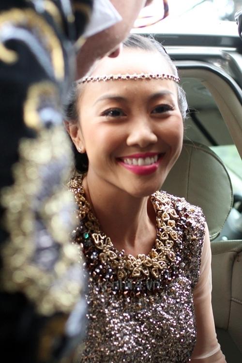 Mỗi khi cười, Đoan Trang có khá nhiều nếp nhăn xung quanh mắt và miệng. - Tin sao Viet - Tin tuc sao Viet - Scandal sao Viet - Tin tuc cua Sao - Tin cua Sao