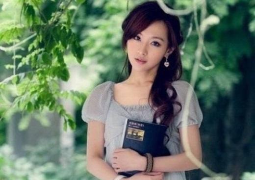 Wang Wanjia – Nhạc viện Xinghai với vẻ đẹp quý phái và thành tích học tập của cô rất đáng nể phục