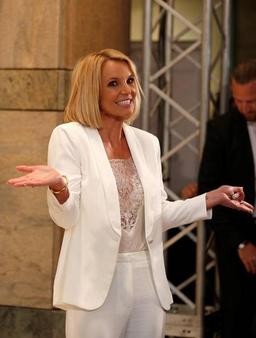 Britney Spears tự trách mình là người mẹ khô cằn