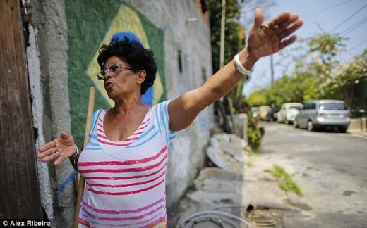 Bà Sonia Franca nói việc giá nhà đất tăng chỉ có lợi cho người giàu.