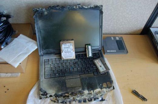 Chiếc laptop bị cháy do tỏa quá nhiều nhiệt