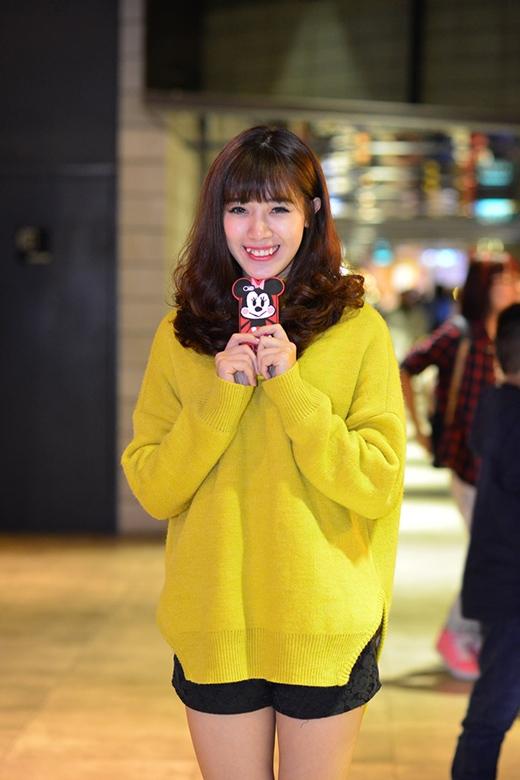 Hà Min mặc theo style trên đông dưới hè đi xem phim Hàn Quốc. - Tin sao Viet - Tin tuc sao Viet - Scandal sao Viet - Tin tuc cua Sao - Tin cua Sao