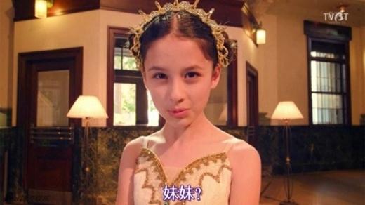 Báo Trung phát sốt vì thiên thần 13 tuổi giống hệt AngelaBaby