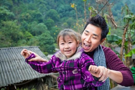 Nguyên Khangluôn tâm niệm: Hạnh phúc cho đi, hạnh phúc nhân đôi.