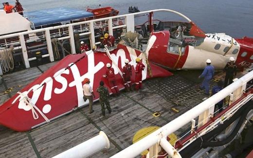 Thi thể nạn nhân QZ8501 kẹt dưới biển vĩnh viễn