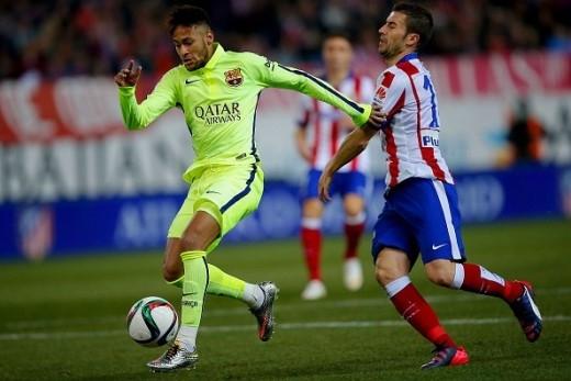 Trước khi hiệp 2 trở lại, Atletico còn bị đẩy vào cảnh thiếu người khi Gabi bị tước quyền thi đấu do nhận thẻ vàng thứ 2 vì lỗi phản ứng.
