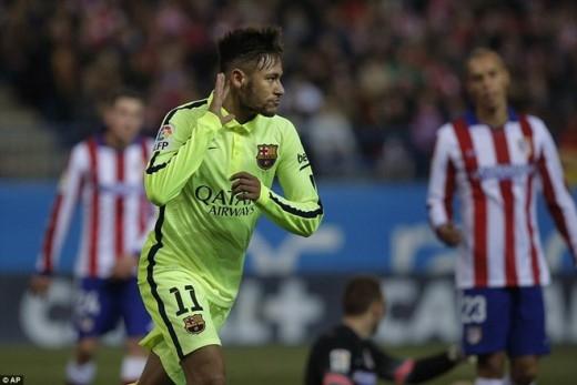 Neymar xứng đáng được xem là người hùng bên phía Barca.