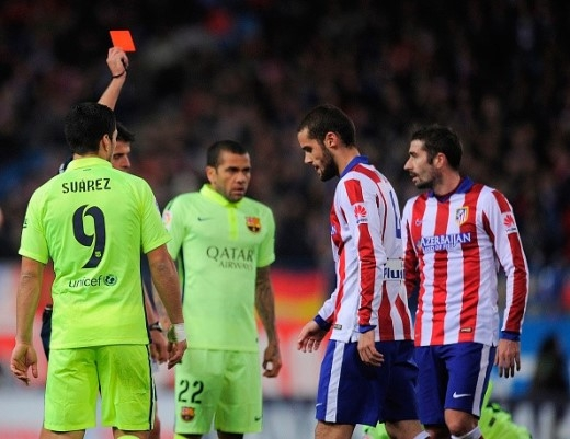 Phút 84, Atletico chỉ còn chơi với 9 người trên sân khi Mario Suarez nhận thẻ vàng thứ 2.