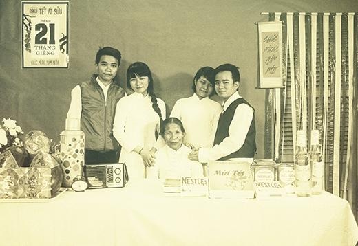 Mộc mạc và đầy ý nghĩa bộ ảnh Tết đoàn viên ở thời thập niên 80
