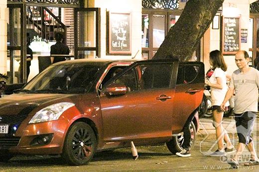 Hotgirl Phương Ly mặt mộc, khoe hình xăm giữa phố