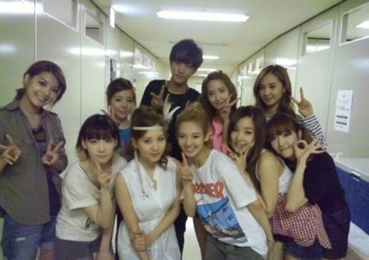 Ca sĩ Nhật Bản - Takuya tham dự concert của SNSD năm 2011