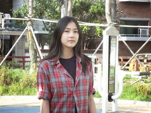 Hình ảnh Hayoung trước khi ra mắt với A Pink 6 tháng vào năm 2010