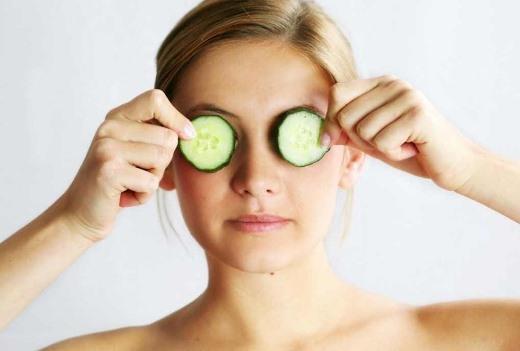 Trị bọng mắt cực hiệu quả chỉ bằng... muỗng?