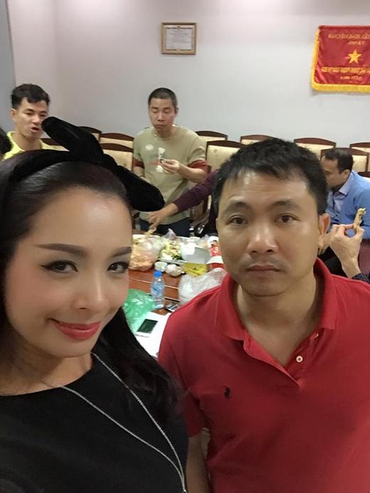 Người mẫu Thúy Hằng cũng ghé thăm phòng tập của các Táo và đạo diễn Đỗ Thanh Hải. - Tin sao Viet - Tin tuc sao Viet - Scandal sao Viet - Tin tuc cua Sao - Tin cua Sao