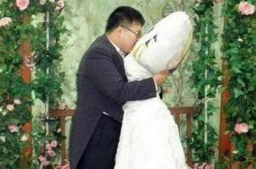 """Những đám cưới """"độc nhất vô nhị"""" cực khó tin"""