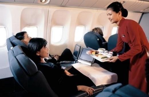Không thiếu những hành động đẹp của tiếp viên dành cho hành khách trên mỗi chuyến bay. (Ảnh minh họa)
