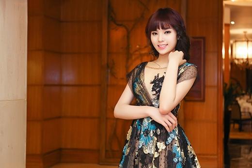 Hoa hậu Kỳ Duyên lại đổi tóc mới xinh đẹp, trẻ trung - Tin sao Viet - Tin tuc sao Viet - Scandal sao Viet - Tin tuc cua Sao - Tin cua Sao