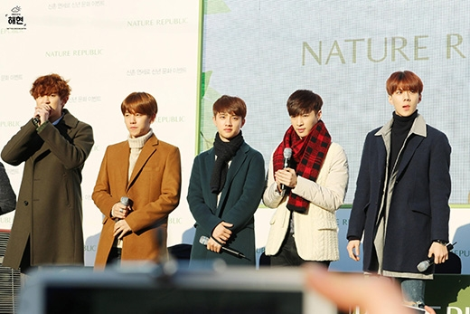 5 chàng trai đốn tim fan tại Seoul