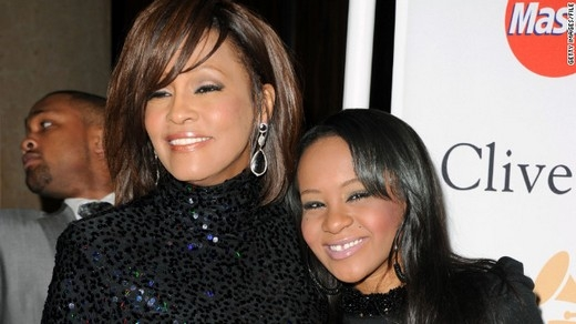 Brownvà mẹ Whitney Houston