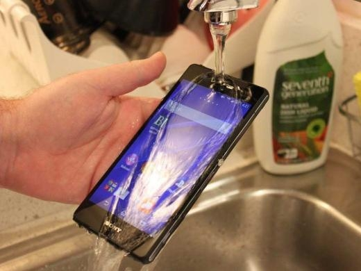 Sony Z3 ra mắt năm nay có màn hình sắc nét 5,2 inch, camera cực tốt và chống nước.