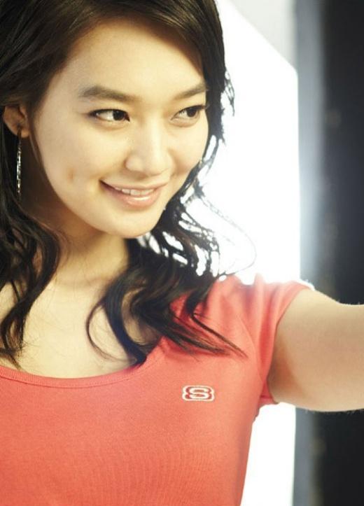 Má lúm đồng tiền đã trở thành nét riêng của Shin Min Ah.