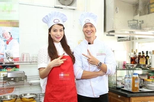Trương Ngọc Ánh cùng Kim Lý vào bếp làm mứt dừa tặng bệnh nhi - Tin sao Viet - Tin tuc sao Viet - Scandal sao Viet - Tin tuc cua Sao - Tin cua Sao